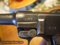 Luger-Nazi-Death-Head-9MM-Pistol_101141579_76935_80BC571BCC69D33A.jpg